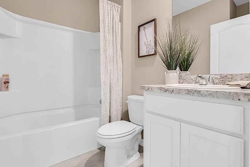 Dakota-bathroom29